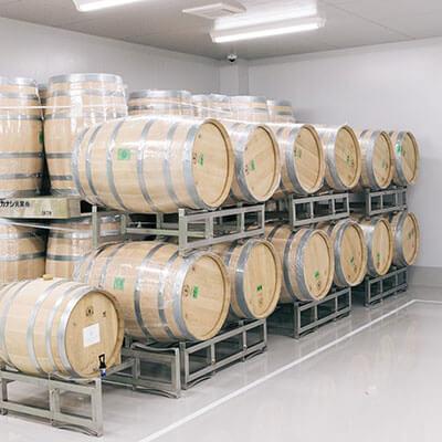 樽内発酵や樽熟成用樽。